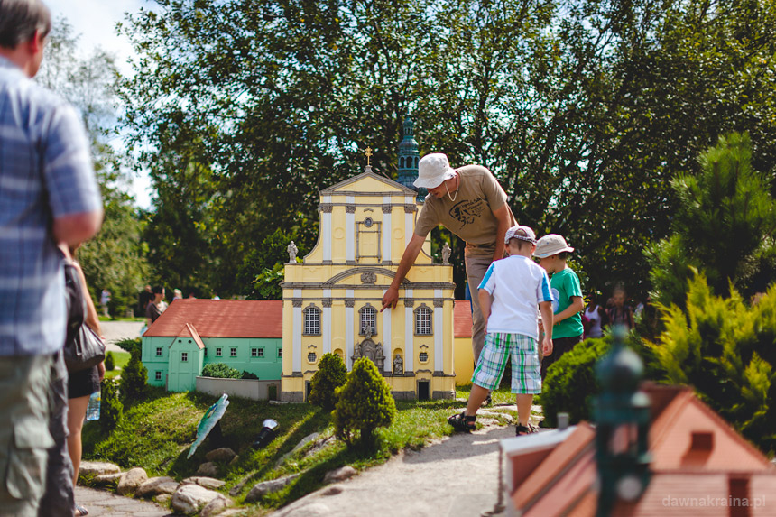 Zwiedzanie z przewodnikiem - Park Miniatur w Kowarach