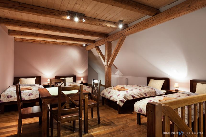 Sypialnia górna w apartamencie Paryżanka